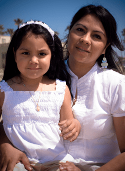 CCH-Hispanic_Mother_Daughter